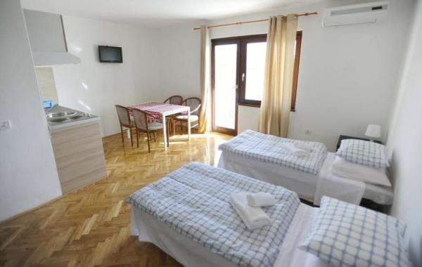 Apartments Deli Vrsi