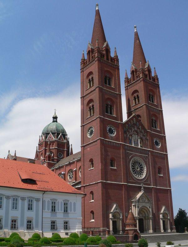 Ðakovo - Diakovár székesegyház templom