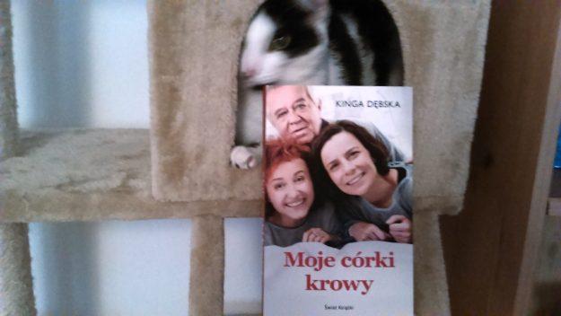Moje-Corki-Krowy-Zdjecie-z-Kotem
