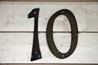 10 ZASAD, KTÓRE POMAGAJĄ MI ŻYĆ BARDZIEJ ŚWIADOMIE I SZCZĘŚLIWIE