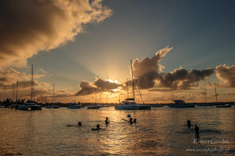Zachód słońca w Grande Baie