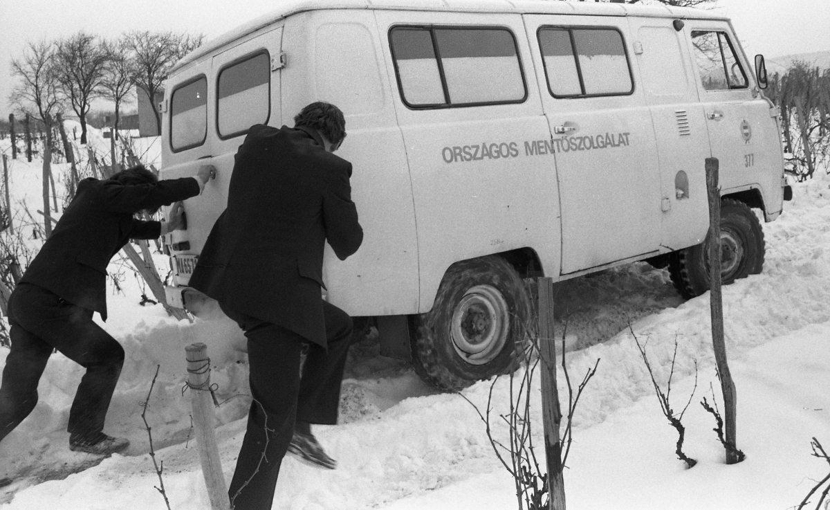 Leállt az egész város, akkora hóvihar volt 35 éve Szegeden