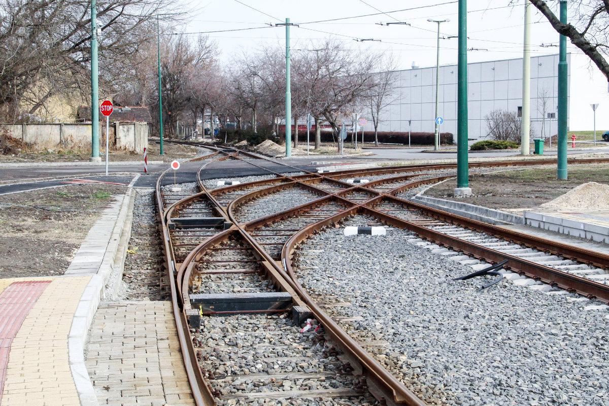 tram-train vasút sín rókus2