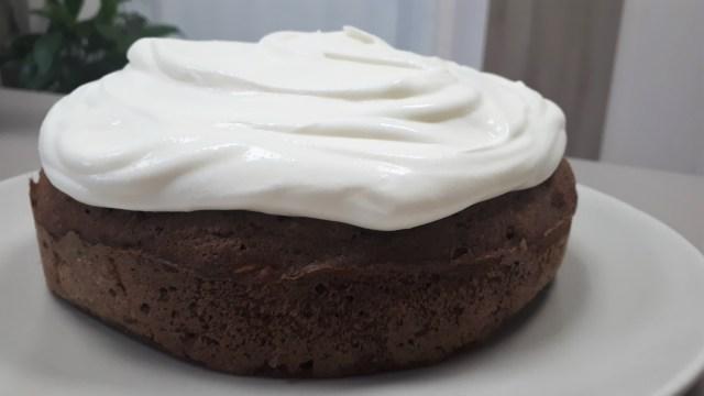 Diétás répatorta szénhidrátcsökkentett lisztből, cukormentes mascarpone mázzal