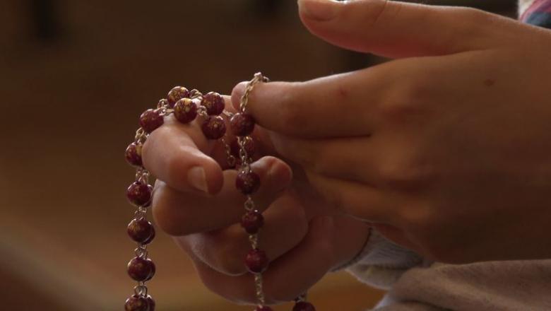 """""""… ha egymillió gyermek imádkozza a rózsafüzért…"""""""