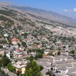 Gjirokastra - widok na miasto
