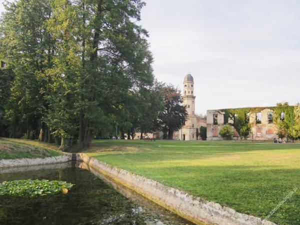 Ruiny zamku w Strzelcach Opolskich