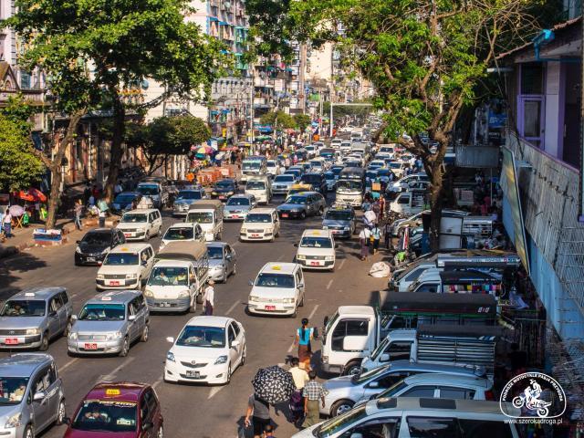 transport w Birmie - absurdy drogowe w Azji