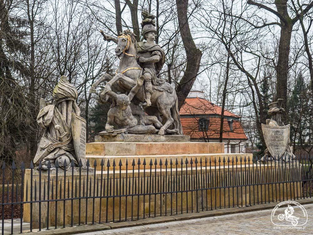 Jeden dzień w Warszawie