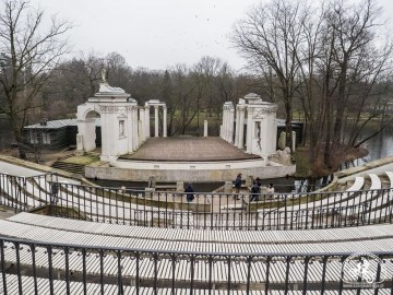 Amfiteatr w Łazienkach  Królewskich