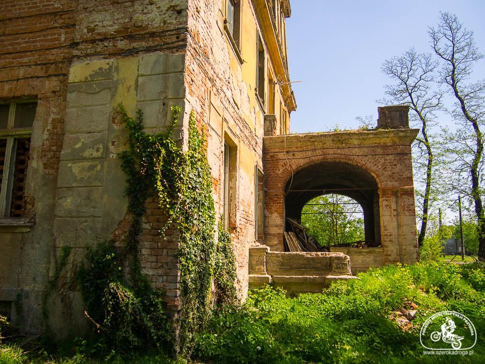 opuszczony dwór, nietypowe atrakcje turystyczne opolskie