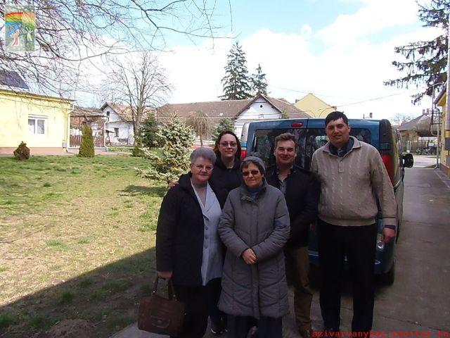 Balról jobbra: Gáthy Lászlóné (gondnok), Trizsnya Mónika (élelmezésvezető), Nt. Kiss Ella (intézményi lelkész), Bódi László (gondnok), Nt. Fábián Csaba (lelkész, Nagyecsed)