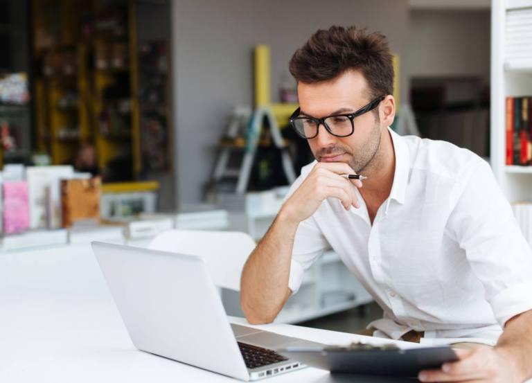 Kurs online czy stacjonarny?