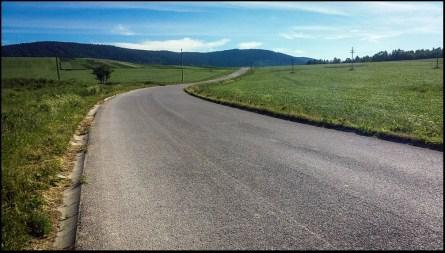 Między Zubercem a Orawicą, podjazd na przełęcz Borek.