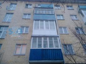 Французское остекление балкона на ул.Гостинная