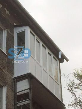 Остекление, изготовление и монтаж крыши, отделка пола, потолка по ул. Грига