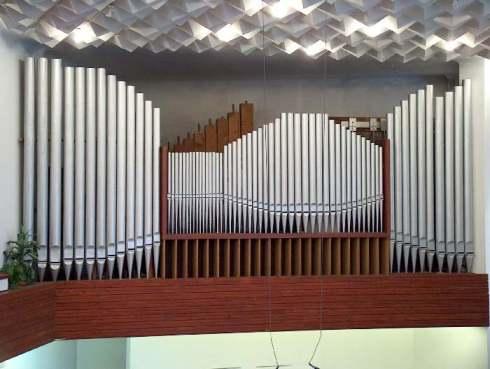 Az Újpesti Baptista Gyülekezet orgonájának sípjai