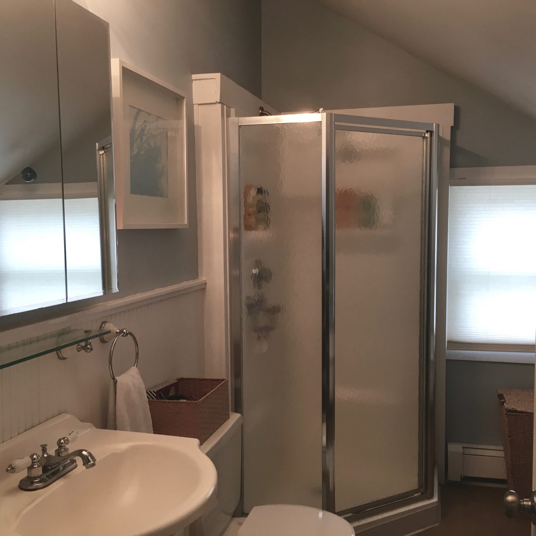 full bathroom (tub and shower)