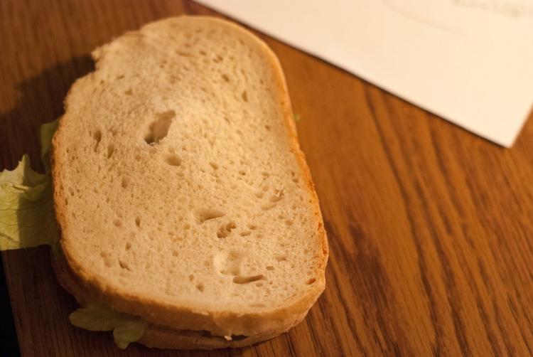 Irracjonalna kanapka na blacie