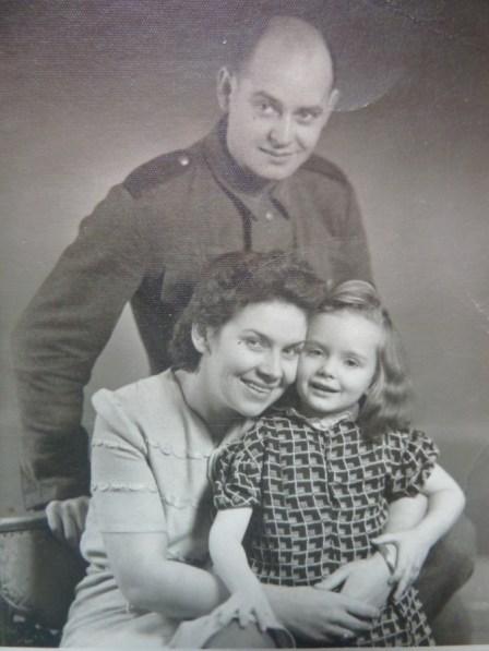 Babcia dziadek i moja mama Ala