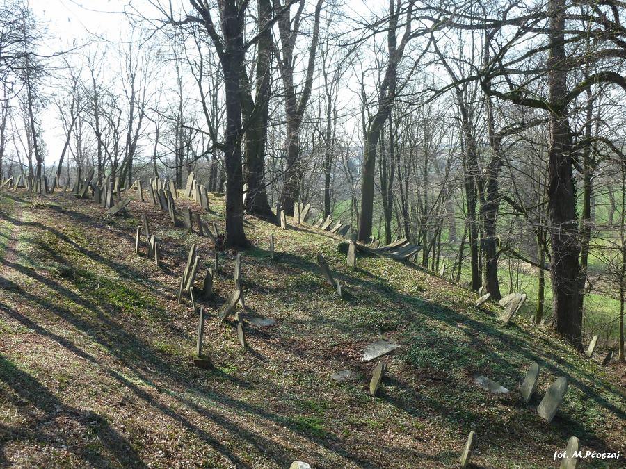 Biala cmentarz