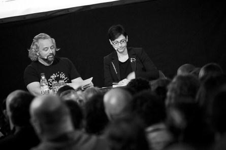 Roman Shamov unterstützte Anja Kretschmer bei der Darbietung von Texten des erkrankten Peter Wilhelm
