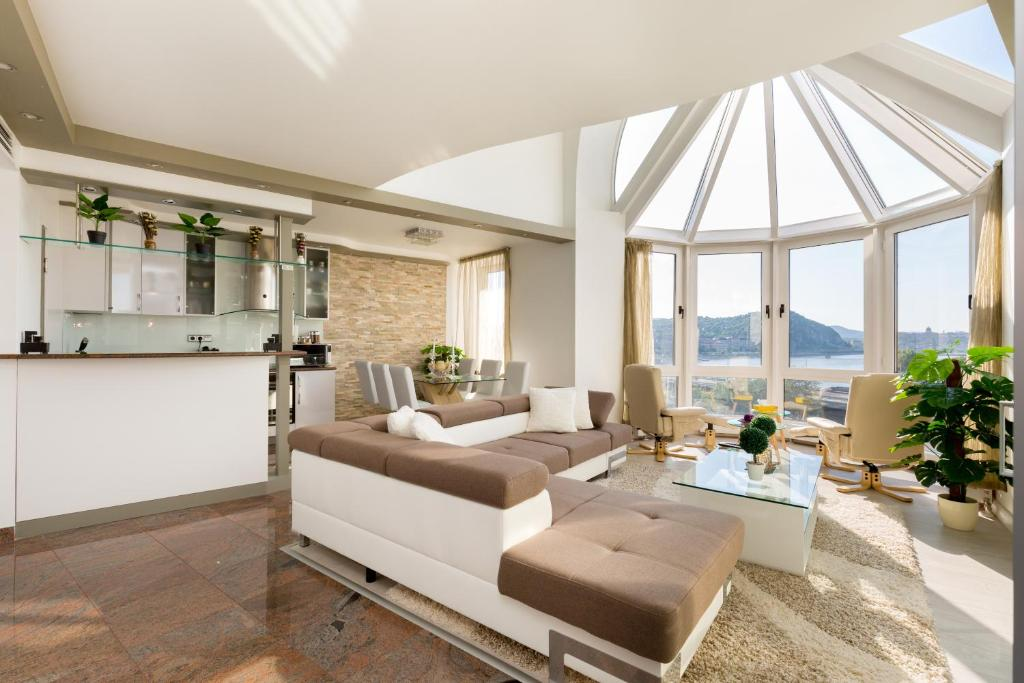 Panorama Dream Home w 3BDR, A/C, Garage & Jacuzzi ... on Dream Home Interior  id=89768