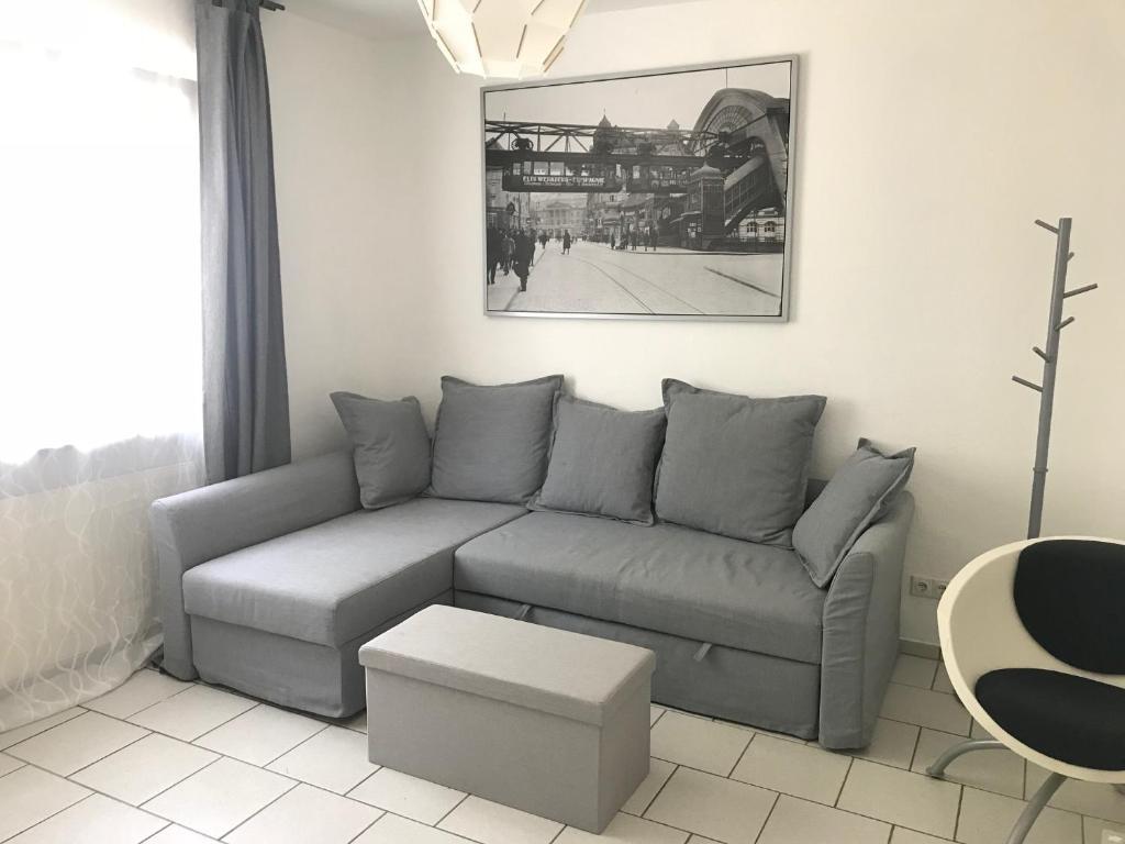1 Zimmer Wohnung mit Küche und Bad in Wuppertal Ferienwohnung