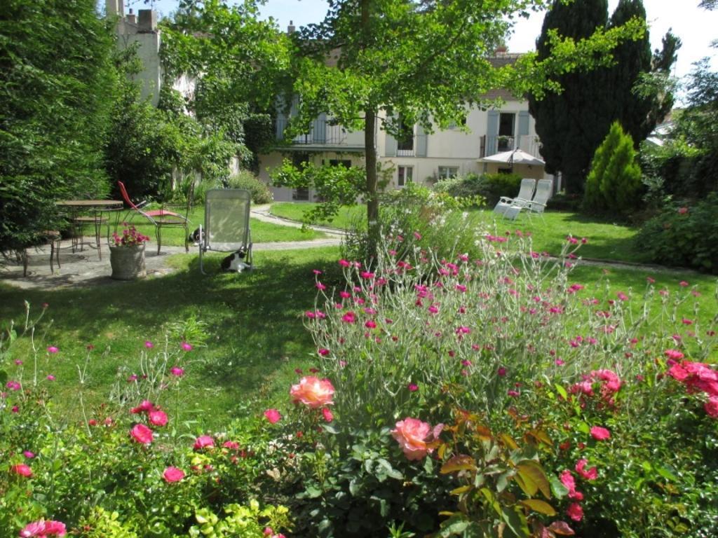 jardin de la maison de Cosi à Montfort l'Amaury