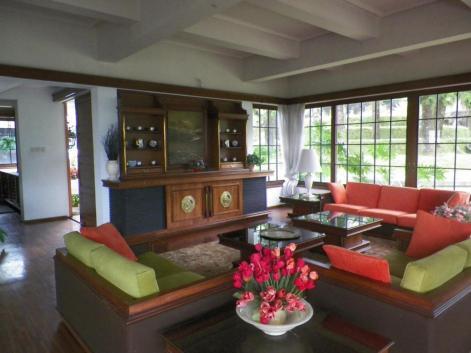 Hasil gambar untuk villa tawangmangu kolam renang