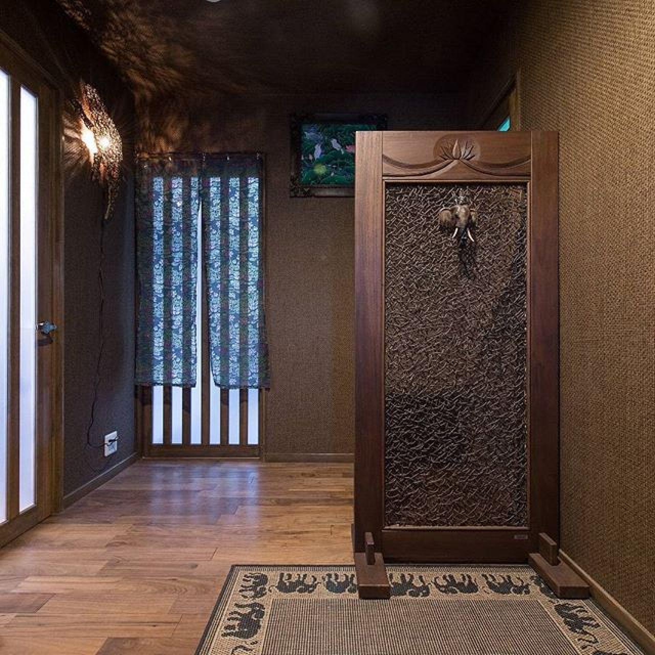 厳かな玄関ホール。#玄関 #玄関インテリア #自然素材#注文住宅