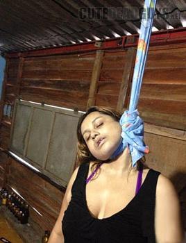 hanged women kicks violently