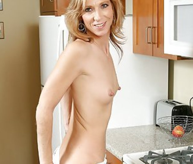 Free Tiny Tits Milf Pictures