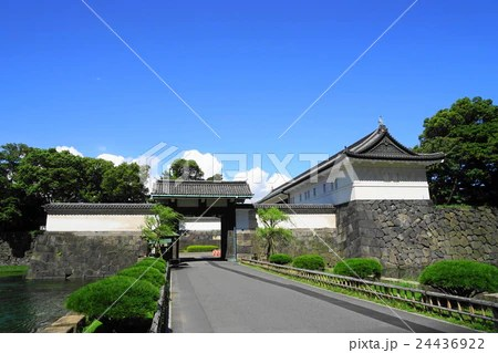 8月 皇居東御苑02大手門の寫真素材 [24436922] - PIXTA