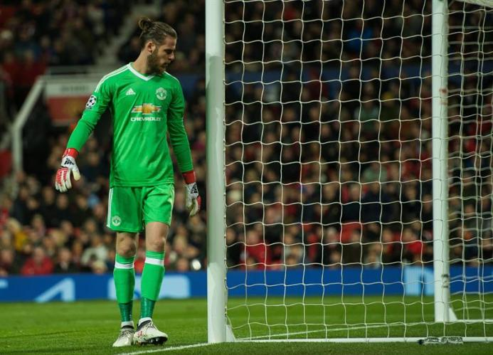 De Gea will remain at United for at least one more year.EFE