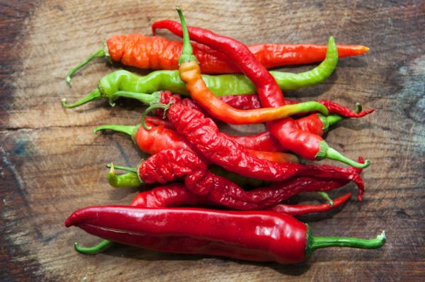 How to make natural insecticides for plants - Homemade insecticides with chili peppers