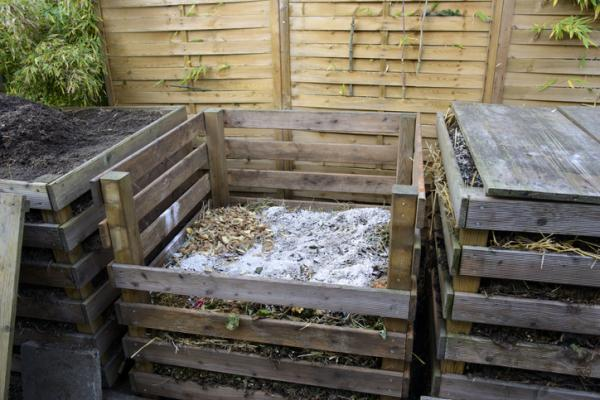 How to make a homemade composter - How to make a homemade composter with pallets