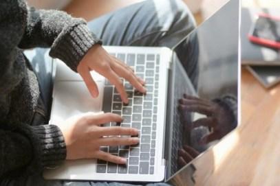 technologies_to_communicate_465618620 دليل الأنترنيت... جريدة تعلم المغاربة التقنيات الحديثة للتواصل Actualités