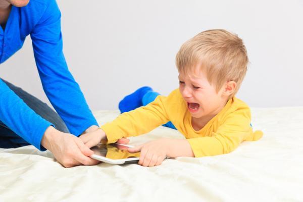 Resultado de imagen para niño de dos años no obedece