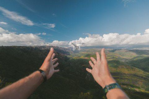 Amateur vs Professional Drone Pilots for Real Estate-2