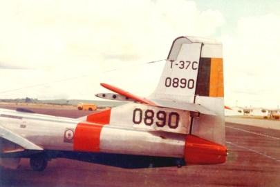 T-37C 0890 Det cauda