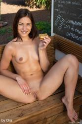 FemJoy – Medina V in Snack Time