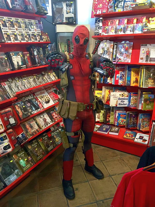 003 - Kaffa_Rho_Cosplay als Deadpool