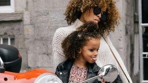 Mastercard: Festeja a mamá enseñándole cómo empezar una experiencia digital