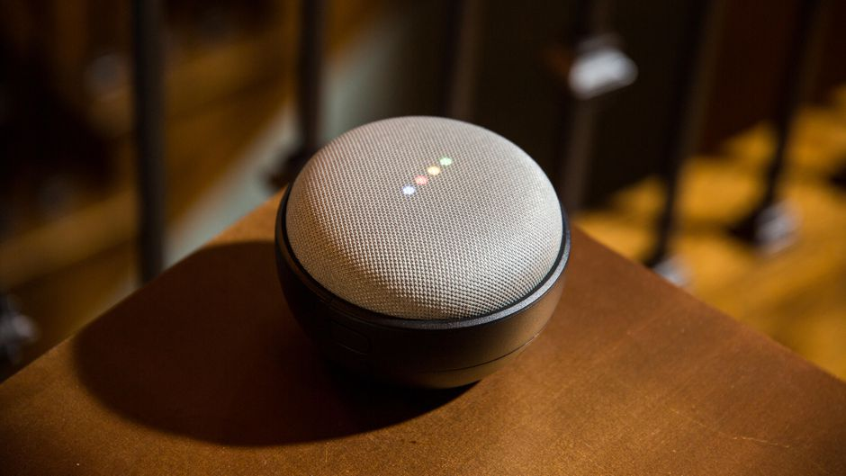 Google Nest Mini.