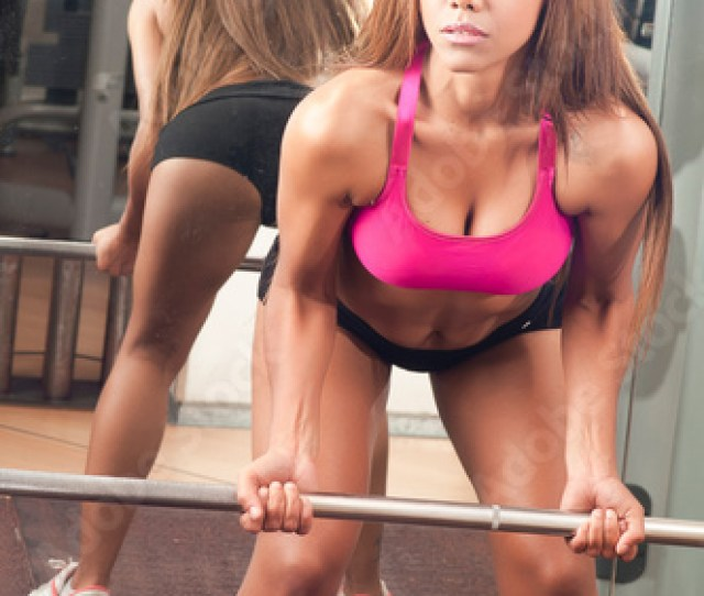 Sexy Black Girl In The Gym