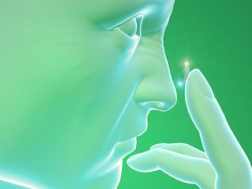 Lente a contatto, profilo corpo umano, viso, dita