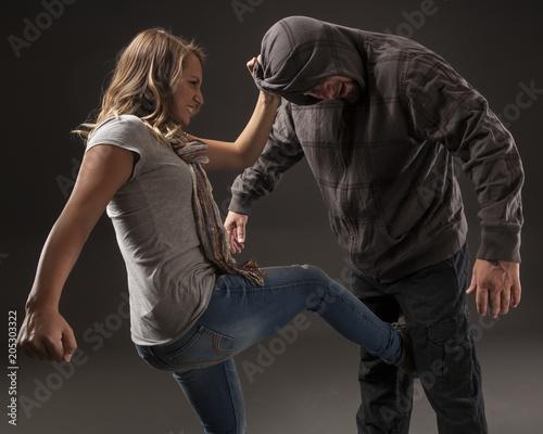 womens self defense - HD1802×1440