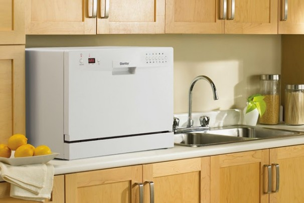 Danby-DDW611WLED-Countertop-Portable-Dishwaser-White-Reviews-606x405.jpg