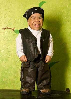 World's shortest men – dead or alive!! - Taaza Khabar News
